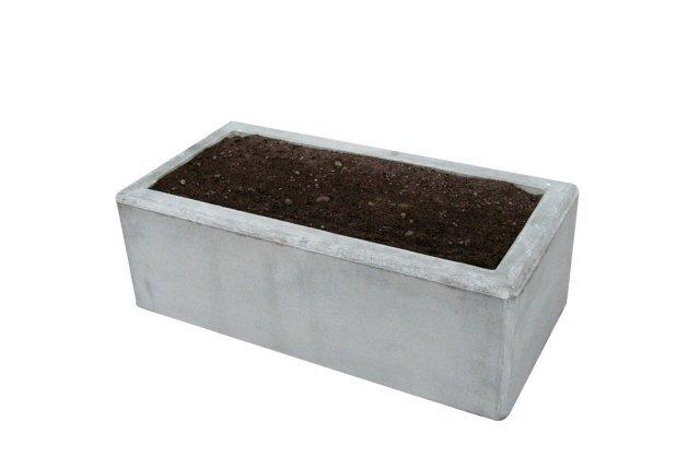 Rektangulär planteringsurna i betong - Järvastad