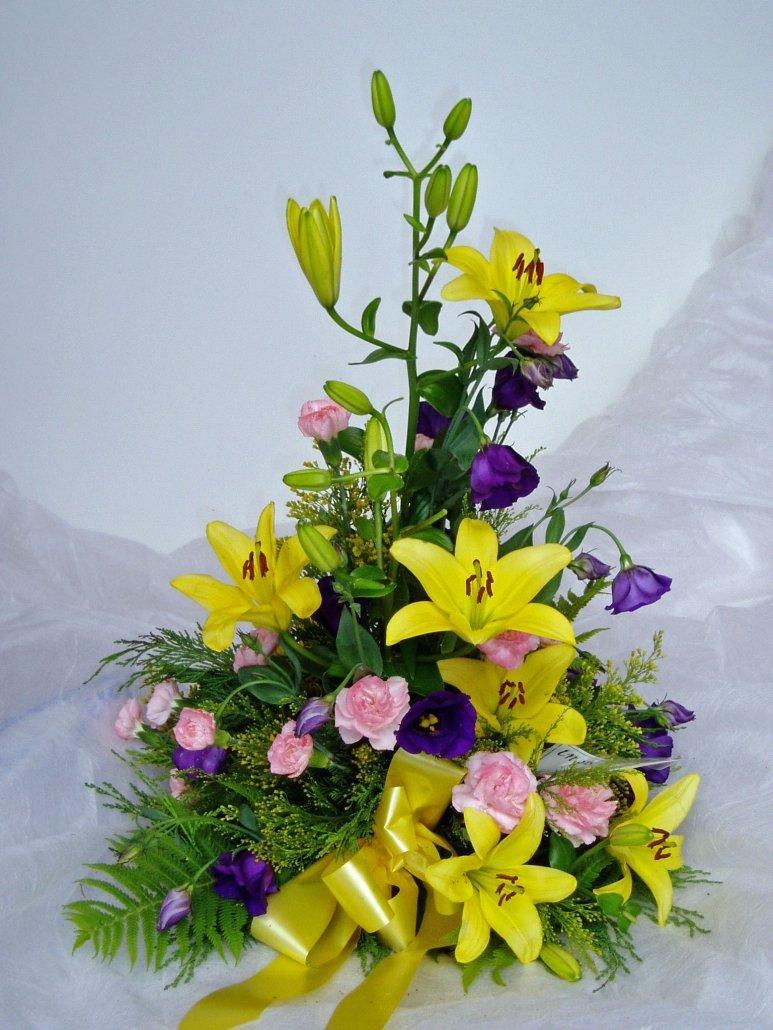 begravningsdekoration, gula liljor