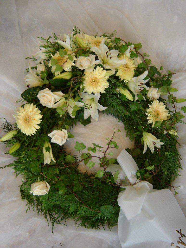 begravningskrans, vita blommor