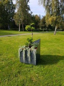 Urna grå utemiljö Apelviken plantering Mölltorp